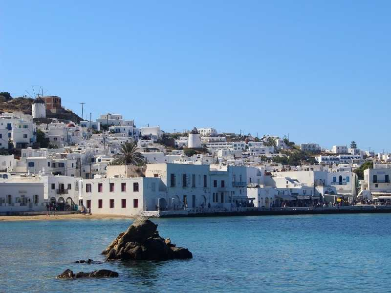 Starting point for your hike on Tinos, in the Greek Cyclades Islands hiking tour