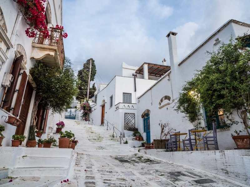 Exploring Pyrgos Village in Tinos