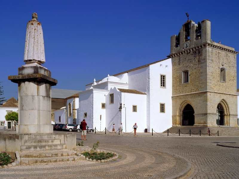 you'll find gorgeous villages in Algarve, Portugal