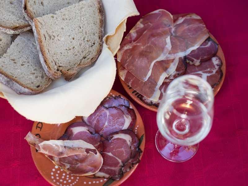 Traditional Food from the Caminhos do Pão e do Fé (Paths of Bread and Faith)