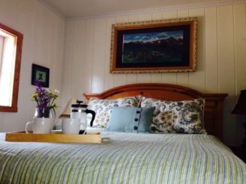 Adorable Historic Log Cabin Breckenridge