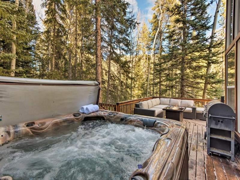 Idaho Springs Cabin on Booking.com