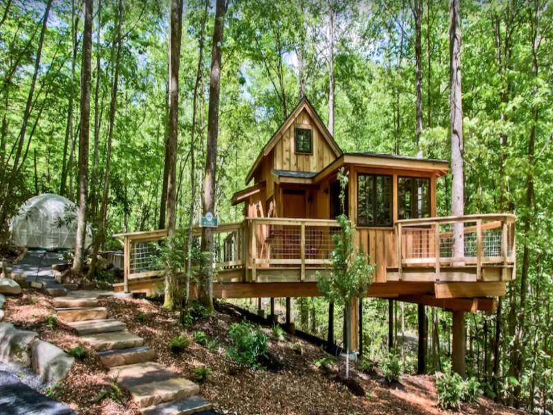 The Maple treehouse rental in Gatlinburg Tennessee
