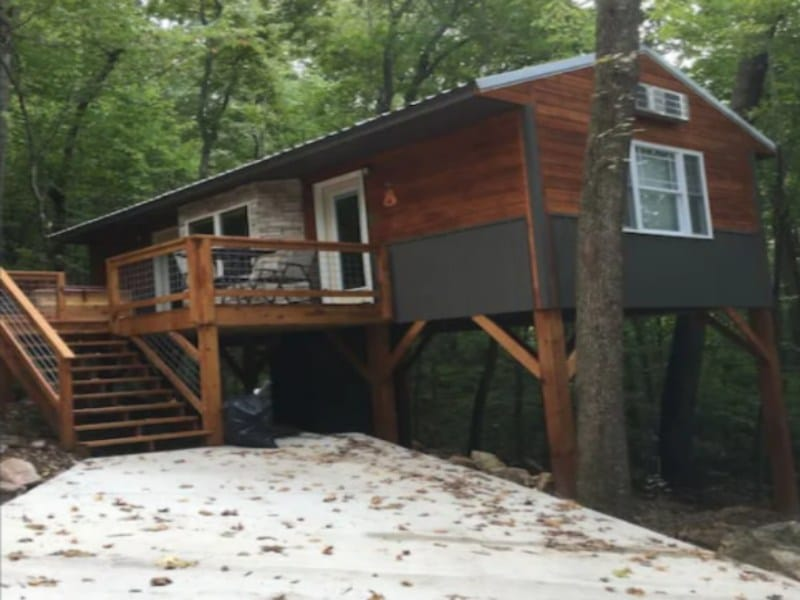 The perfect treehouse rental for any season in Tennessee