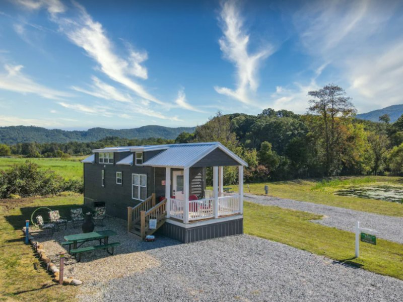 The Happy Shack is the perfect place to get away in Gatlinburg