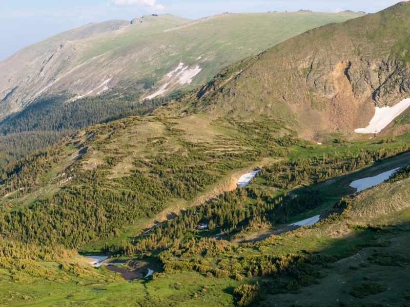 Alpine Ridge Trail is a perfect easy hike in Rocky Mountain National Park