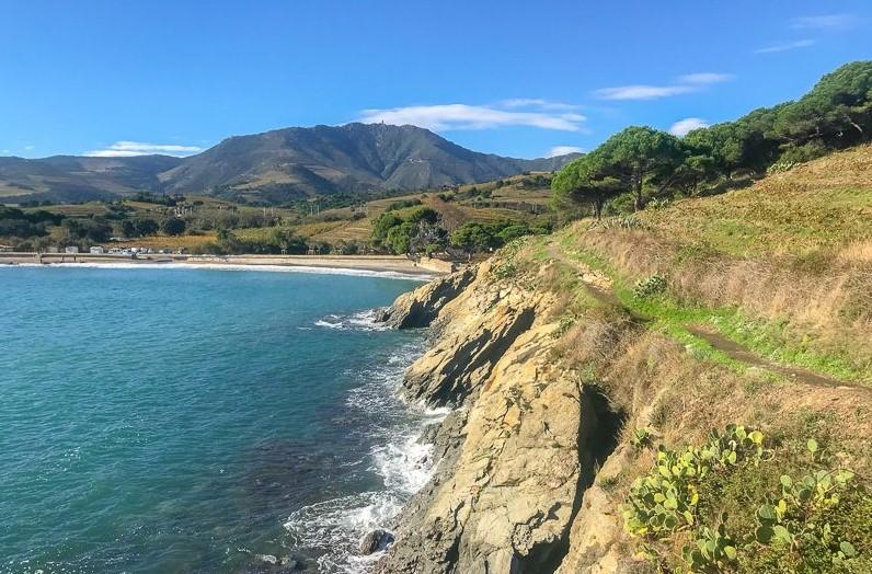 coastal hiking tour Costa Brava Spain to France