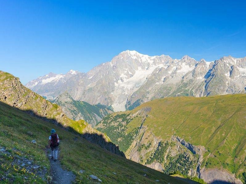 views while doing the tour du mont blanc self guided tour